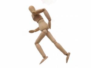 股関節→膝→足の連動が大事