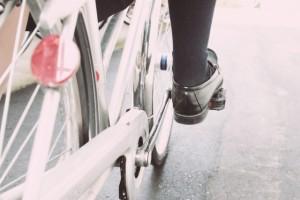 足首を分かりやすく、自転車の「タイヤ」に、例えるとします。